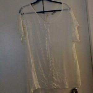 Eyeshadow 2x white top with lace detail.